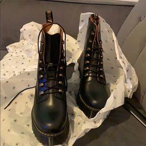 Dr martens Black Leona boots